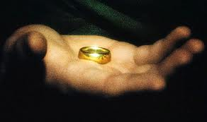 the hobbit gold ring in hand